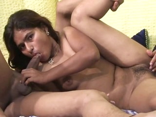 Indian Sex Couple-Kashish & Bunty (720p)