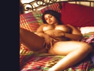Amateur Chubby Indian Orgasm