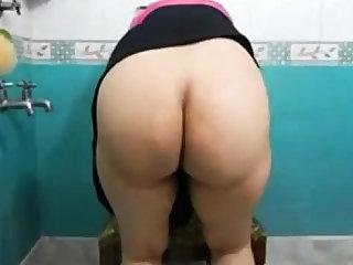 Bangla desi girl showing big ass