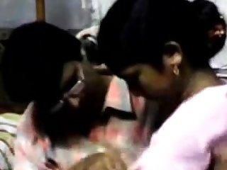 Two Indian lovers fuck on webcam
