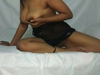 desi indian big boobs bhabi playing with boobs and pussy