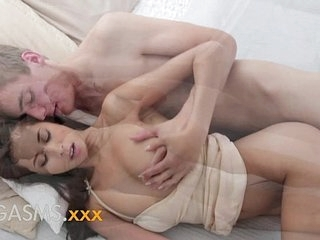 ORGASMS Creampie for Indian asian beautiful girl with lovely natural tits