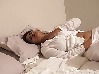 Alone Aunty playing in bed Cums many times - Maya