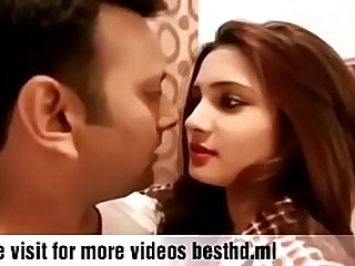Hot Indian girl smooching his lover watch latest video