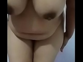 Big Boobs Aunty Naked on webcam showing Boobs